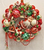 """Santa's Greeting"" Wreath from Glittermoon Vintage Christmas"