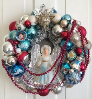 Wreath currently listed on Ebay - not made by me
