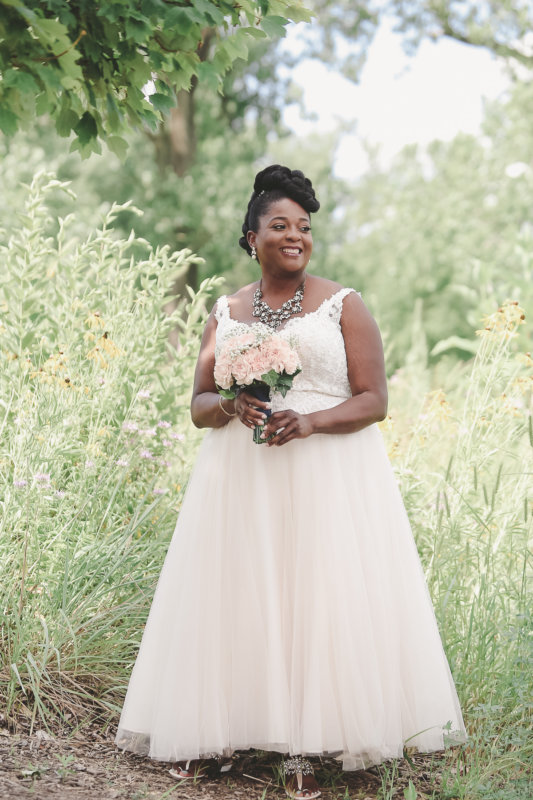 Blush bride with pink bouquet