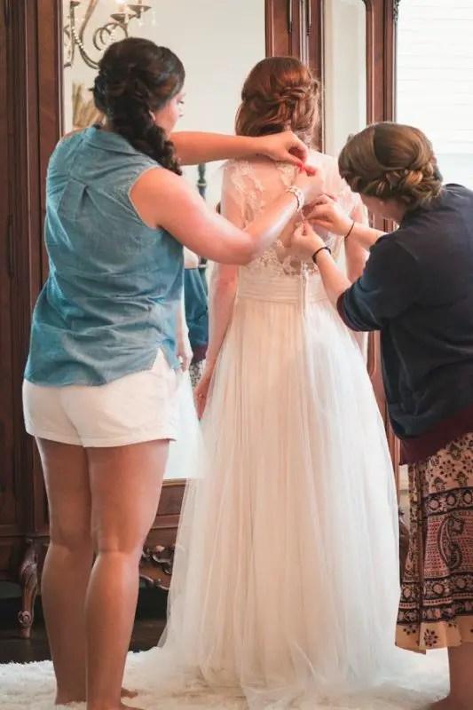 georgia bride getting dressed
