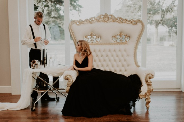Old Hollywood Glam Wedding Inspiration - Glittery Bride