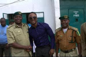 iyanya visits ikoyi prisons on birthday 1