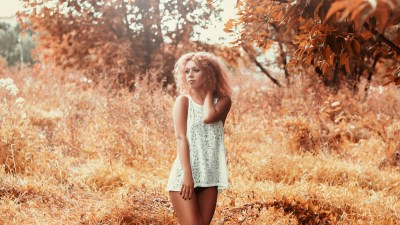 girl-in-a-short-dress