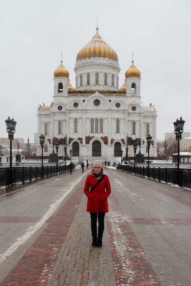 A quick photo stop at the Cathedral of Christ the Saviour, Moscow