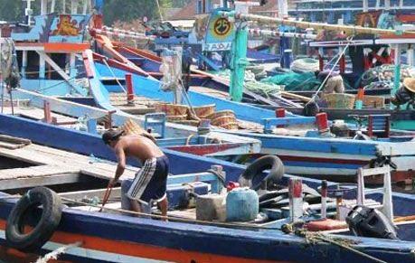 JATIM-Pasokan-BBM-Minim,-Nelayan-Trenggalek-Menjerit