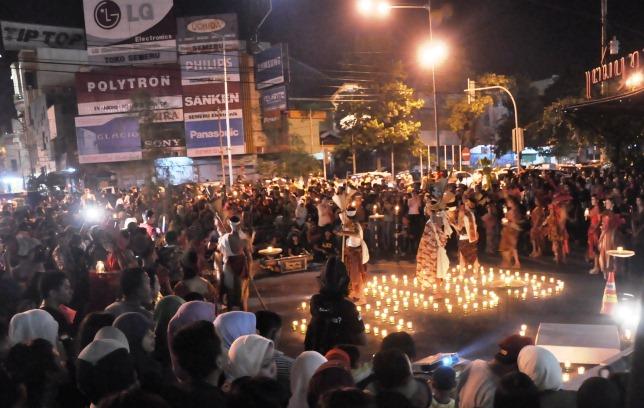 GN/ILUSTRASI Peringatan Earth Hour di salah satu lokasi di Kota Solo, beberapa waktu lalu.