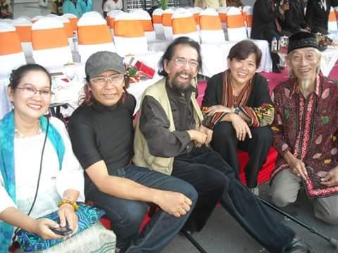 GN Seniman aset Surabaya dari kiri ke kanan, Theresia Swandayani, Leo Kristi, (alm) Slamet Abdul Sjukur, Natalini Widhiasi, dan mendiang Tedja Suminar.