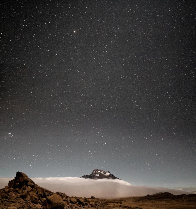 astrophotography on mountain cloud inversion