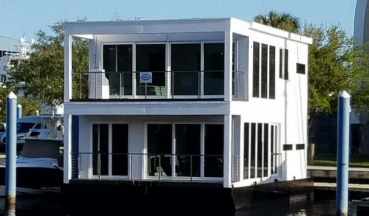 custom floating homes