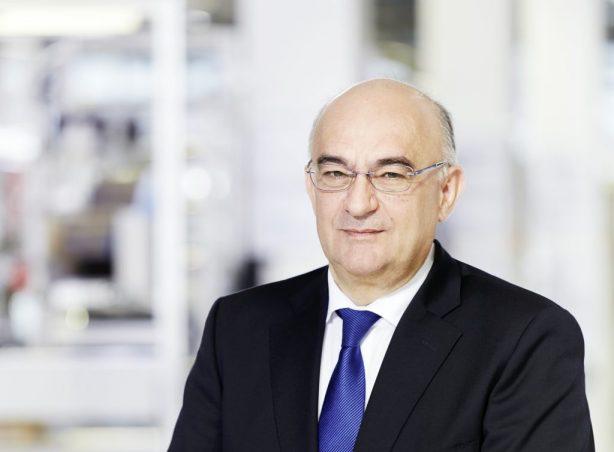"""Dr. Robert Bauer: """"In Kompetenz der Mitarbeiter vor Ort investieren"""""""