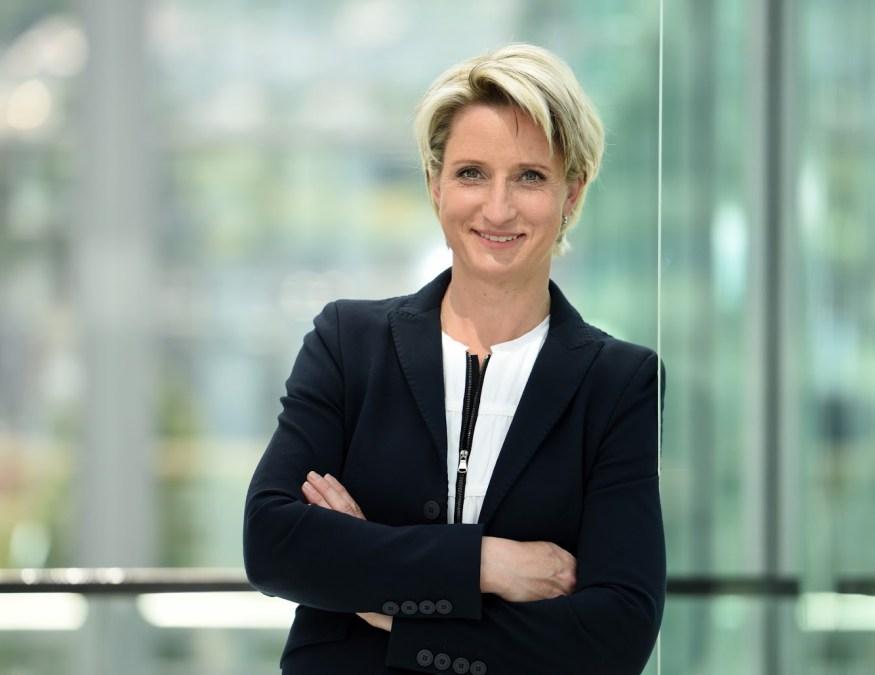 Dr. Nicole Hoffmeister Kraut