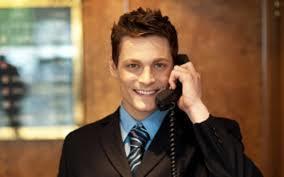 【英語で何て言う?】使える英語の電話表現