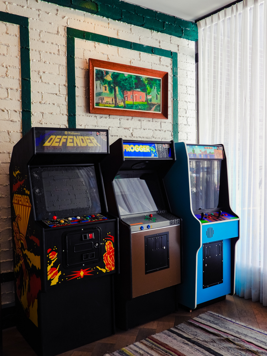 Old arcade games in the lobby of the Graduate Lincoln hotel
