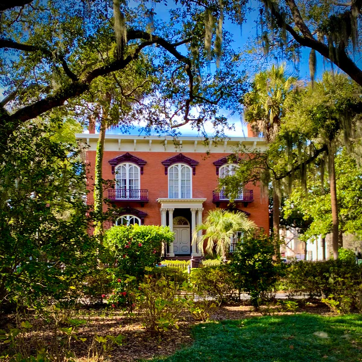 The Mercer House from Midnight In The Garden Of Good And Evil, one of the many awesome things to do in Savannah, Georgia