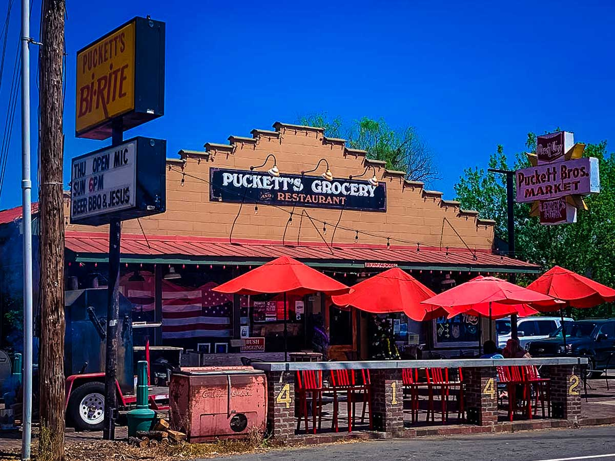 Puckett's storefront, one of many awesome things to do around Franklin, TN