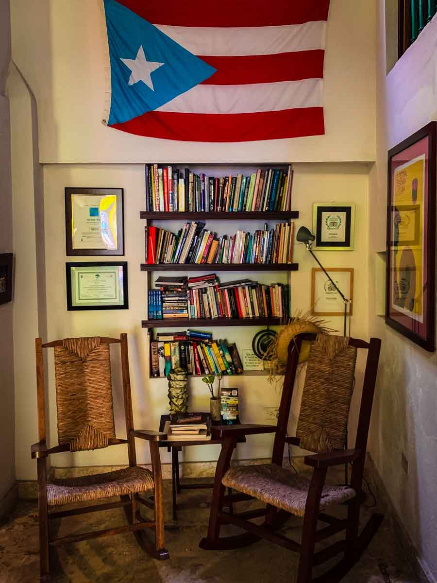 Casa Sol B&B in Old San Juan, reading room