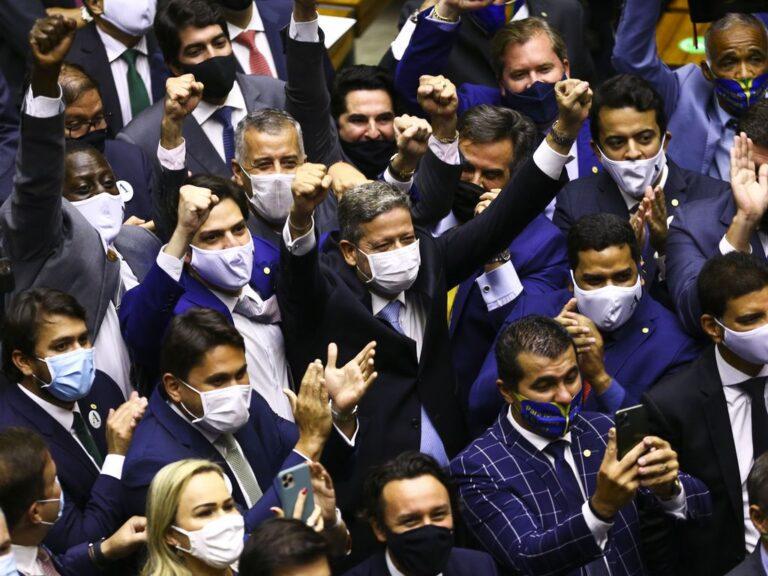 Precisamos proteger o Brasil do novo comando da Câmara Federal