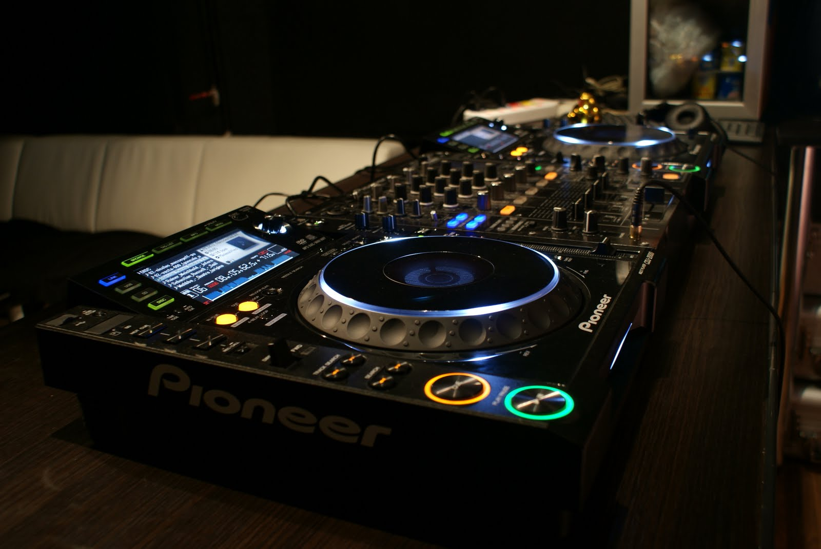 Dj Equipment For Beginners 4 Dj Setups Global Djs Guide