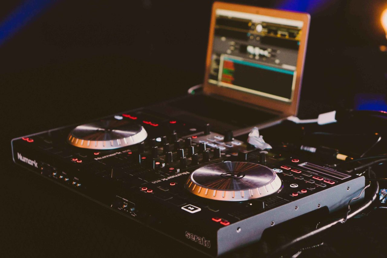 The Best DJ Controller of 2019 under $400