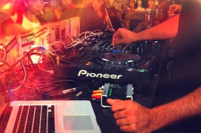 dj setup - mixing