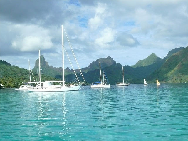 Pape'ete: Sailing around Tahiti