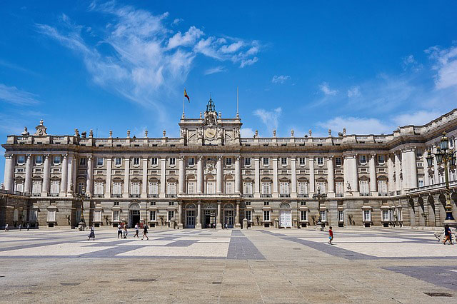 spain-madrid-grand-palace