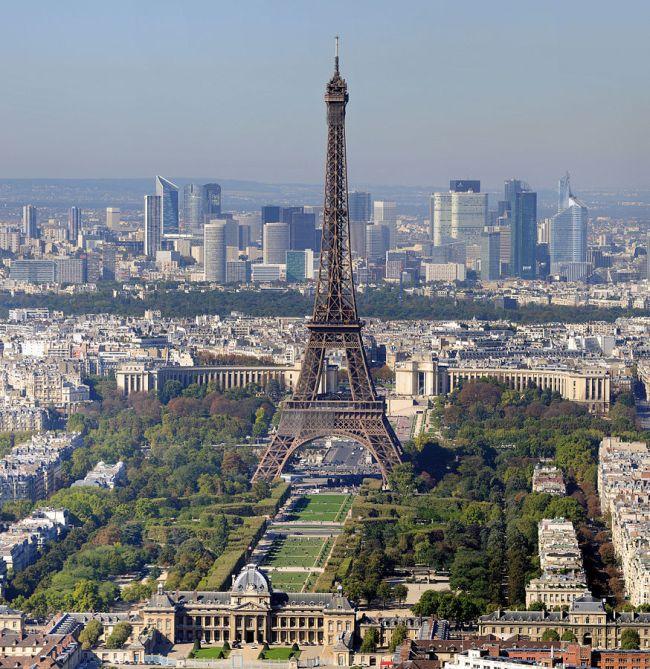 874px-Paris_-_Eiffelturm_und_Marsfeld2