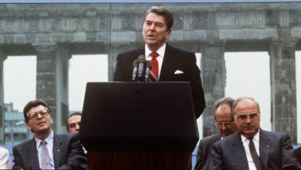 History_Speeches_1046_Reagan_Demands_Fall_Berlin_Wall_still_624x352