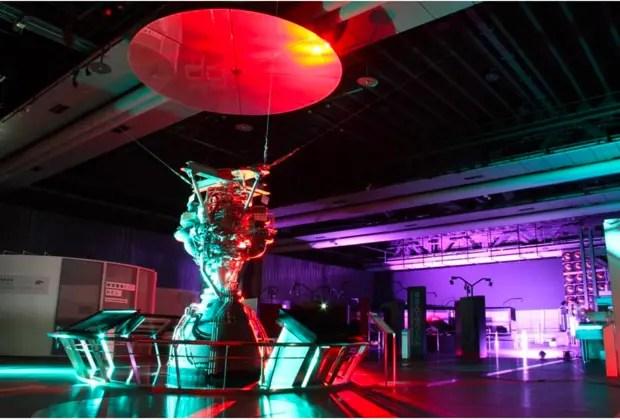 常設展示「H-IIA ロケットエンジン」のライトアップ