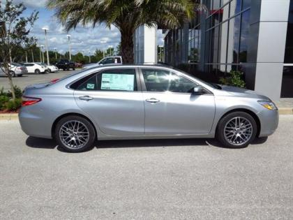 Export New 2015 Toyota Camry Hybrid Xle Silver On Gray