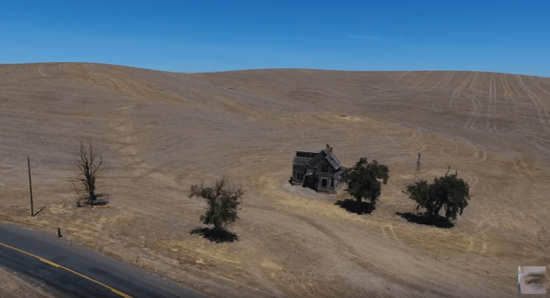 house-in-the-middle-of-nowhere-oregon-yt.PNG