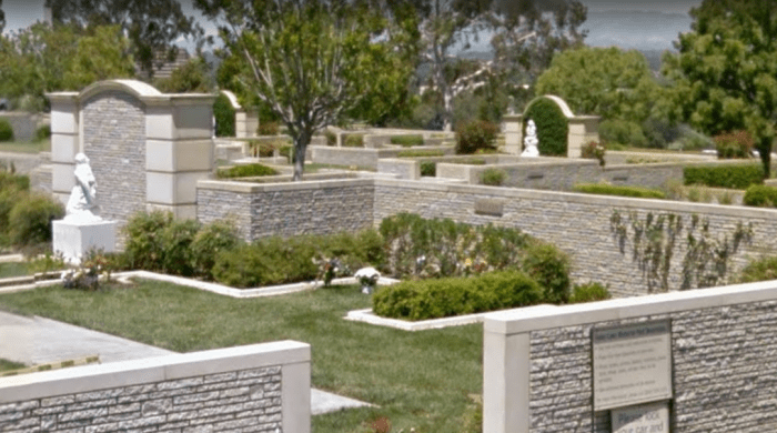 paul-walkers-grave-location-sv.PNG
