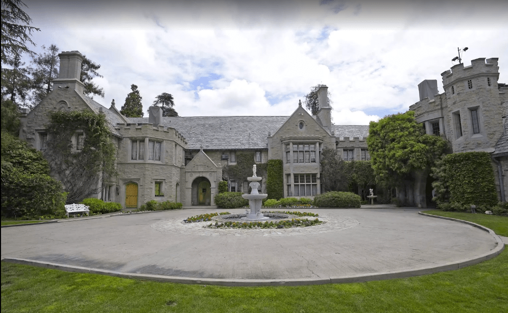 the-playboy-mansion-locationsv.PNG