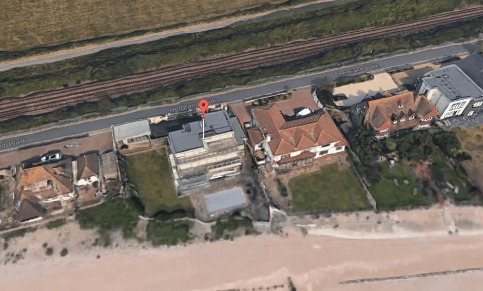 graham-nortons-beach-house