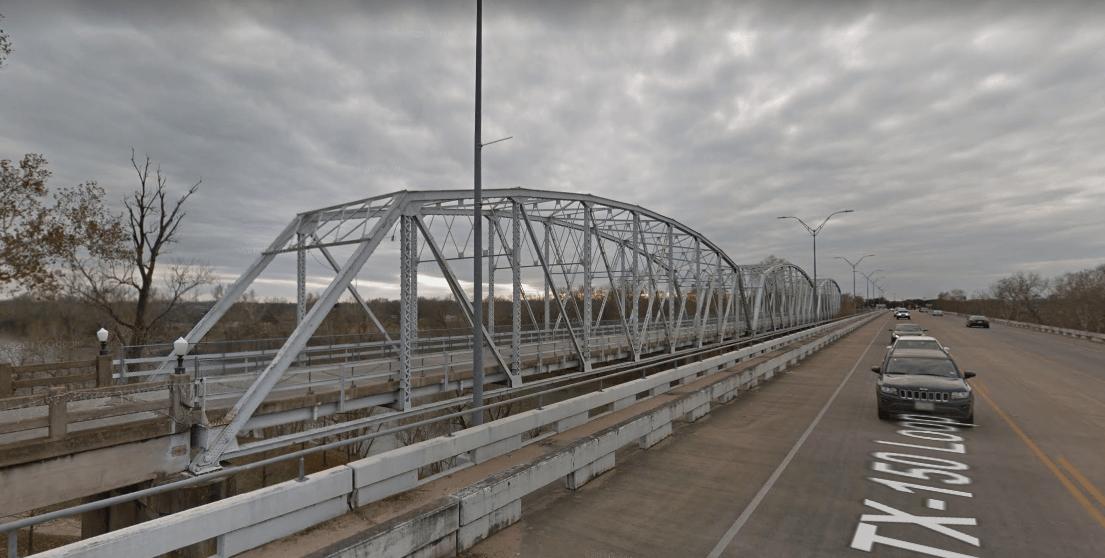texas-chainsaw-massacre-2-bridge.PNG