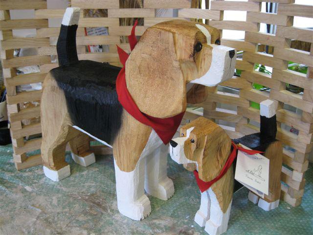 beagle-large-small-standing_jpg.jpg