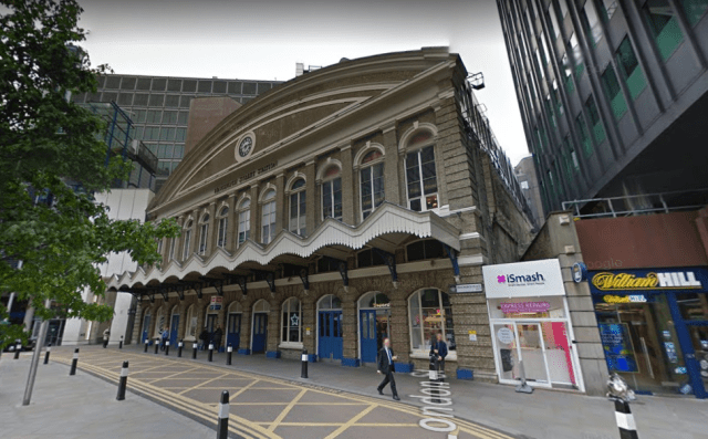 manchester-train-station-green-street2.PNG