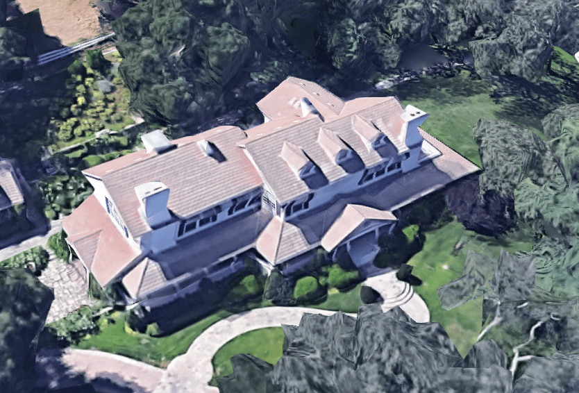 monster-in-law-mansion2.PNG