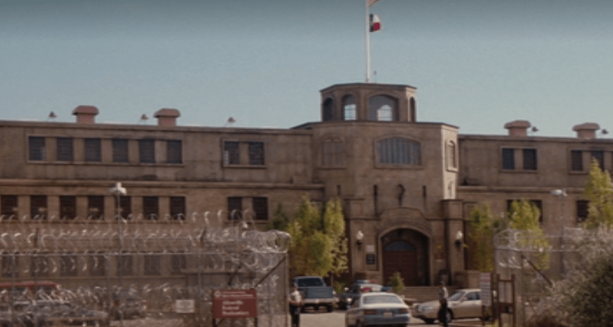 the-longest-yard-prison.PNG