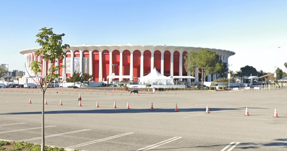 forum-stadium2