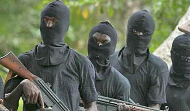 Gunmen kill six Policemen in Akwa Ibom, razed police station