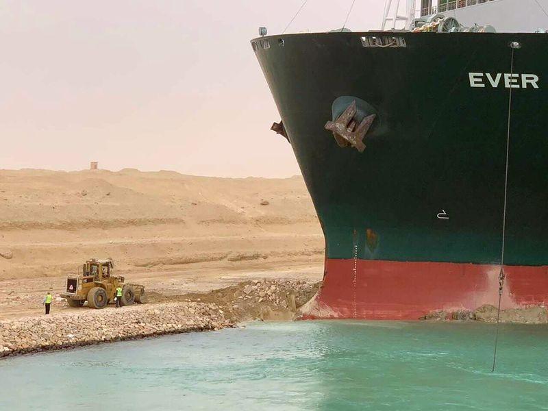 Vessel stuck on Suez Canal