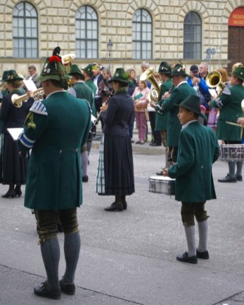 Oktoberfest costumes parade