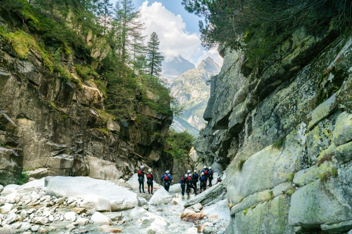 grimsel_canyoning_interlaken_switzerland-74