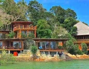 5 mins with: Loola Adventure Resort