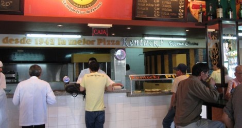 Buenos Aires: Munch on some Pizza
