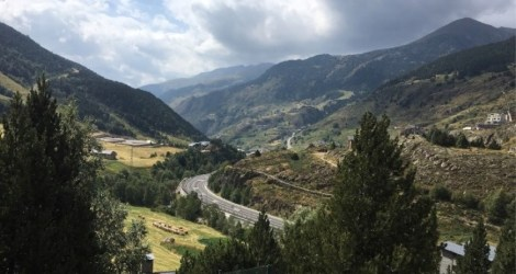 Andorra: Hiking from Soldeu to Candillo