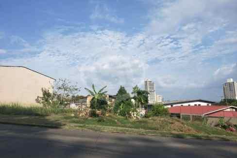 8 Terreno Altos de Santa María
