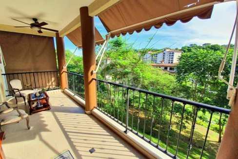 1. Embassy Club. Garden. Balcon (6)