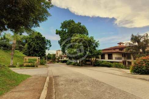 2. Embassy Club. Garden. Fachada (6)